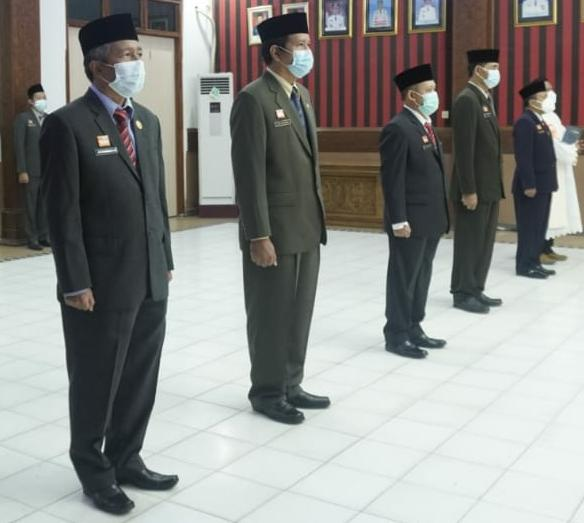 Bupati Lantik Empat Pimpinan Tinggi Pratama dan Satu Pejabat Fungsional