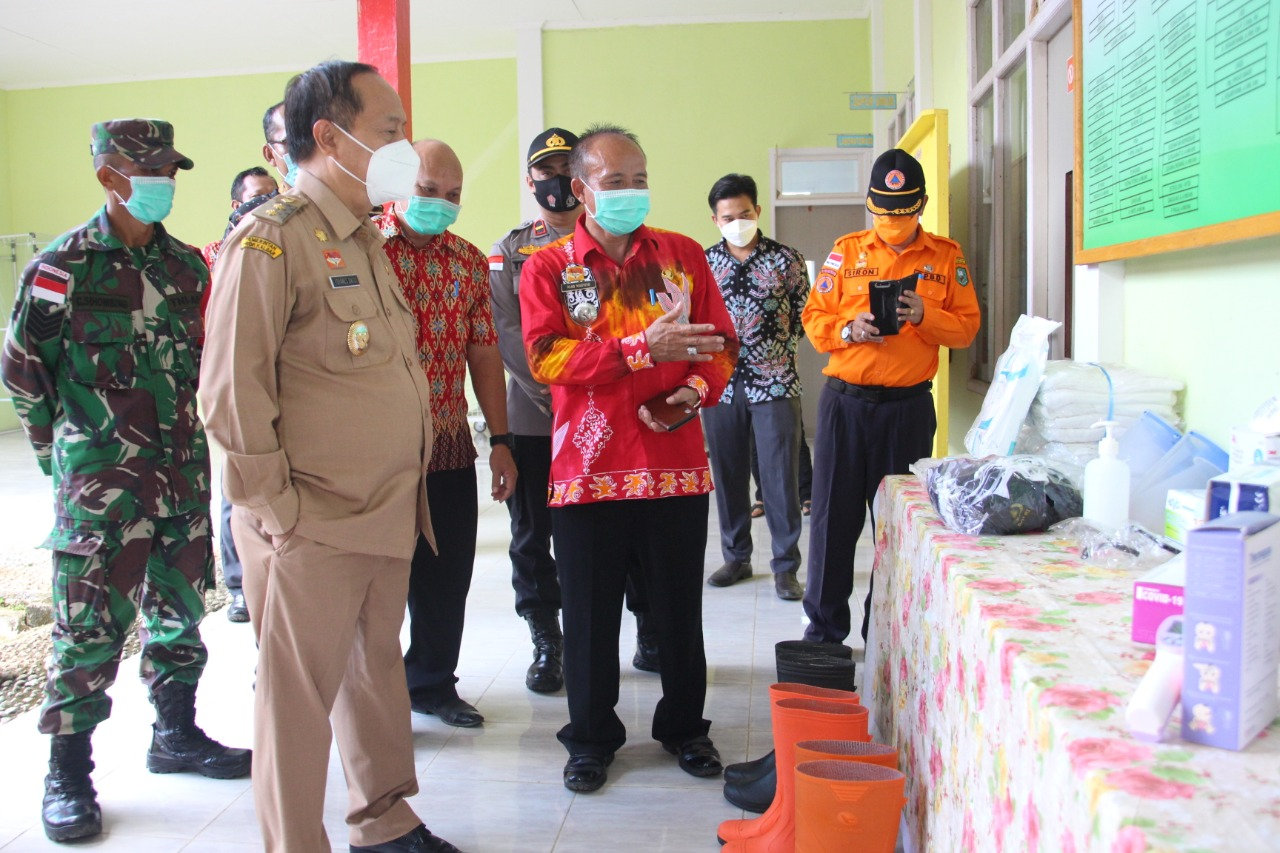 Wabup Sanggau Melakukan Monitoring Kesiapan Satgas Covid-19 di Kecamatan