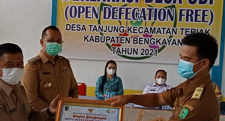 Bupati Bengkayang Deklarasi Desa Open Defecation Free