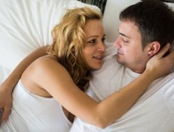 Agar Bahagia, Berapa Kali Pasangan Harus Hubungan Seks?