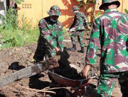 Peduli Sesama Zidam XII/Tpr Bantu Ratakan Tanah Wakaf