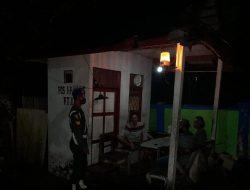 Subdenpom XII/2-4 Kapuas Laksanakan Komsos Malam Hari