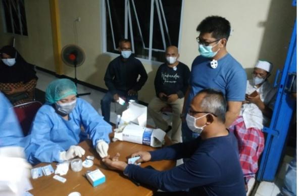 Rombongan Komisi I DPRD Natuna Ikut Memantau Vaksinasi Rombongan Bupati Natuna