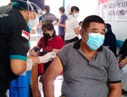 Purnawirawan Polri Hingga Masyarakat Biasa Antusias Ikuti Vaksin Covid-19 Lansia di Sekadau
