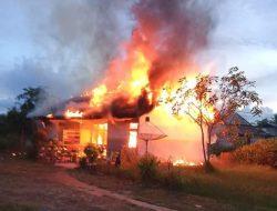 Dua Rumah Dinas ASN di LLK Mempawah Terbakar