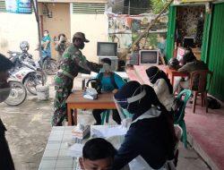 Babinsa Selalu Memonitoring Masyarakat di Desa Binaan dan Tempat Keramaian