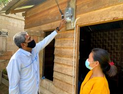 40 Rumah Warga Kurang Mampu di Bengkayang Nikmati Bantuan Listrik Gratis dari PLN