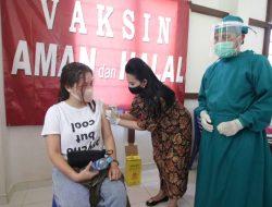 Bupati Karolin: Program Vaksinasi Massal di Landak Capai 10 Persen