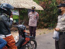 Polsek Siantan dan Tim PPKM Mikro di Wajok Hilir Kompak Cegah Corona