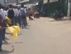 Viral Anak Sekolah Long March Bawa Bendera Kuning, Netizen: RIP Pendidikan