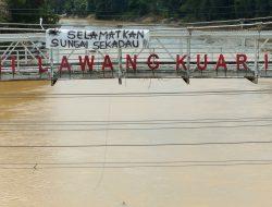 FOTO: Selamatkan Sungai Sekadau