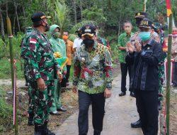 Karya Bhakti TNI di Sebayan Sambas, Ketua DPRD : Apresiasi Program Sentuh Warga
