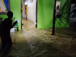Hujan Deras Guyur Entikong, Rumah Warga di Bantaran Sungai Kebanjiran