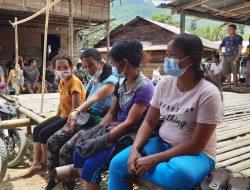 Warga di Pedalaman RI-Malaysia Diberikan Vaksinasi Covid-19